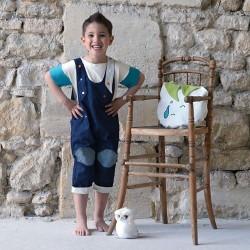 salopette evolutive portée par garçon 5 ans